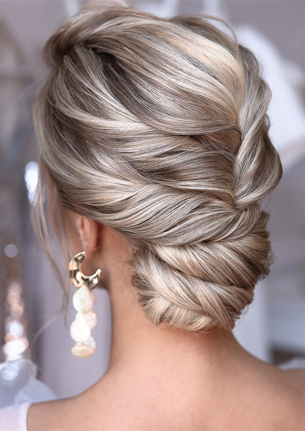 elegant updo wedding hairstyles for 2020 brides 24