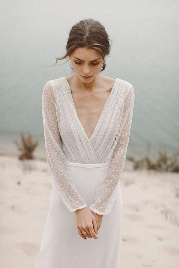 Minimal and Simple Wedding Dress