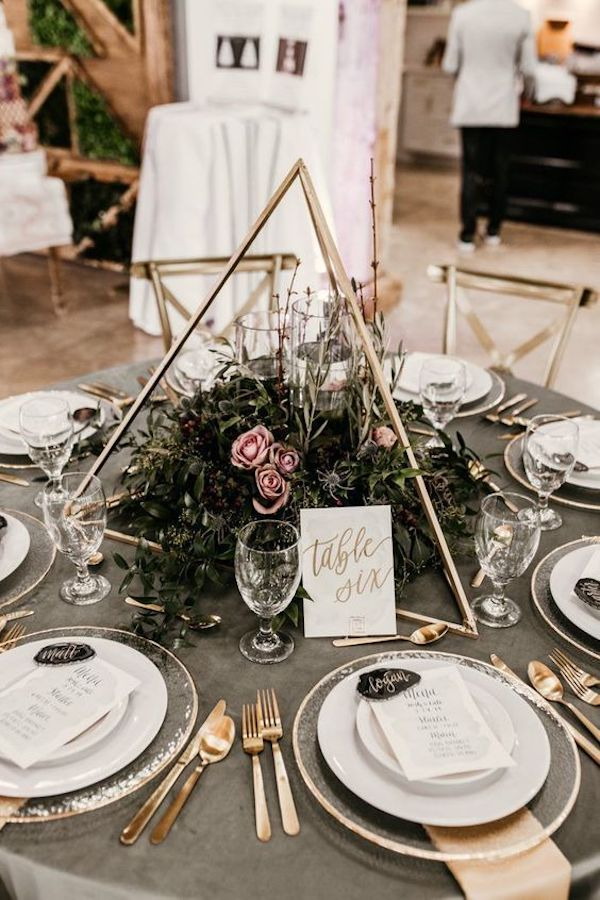 small wedding reception ideas with centerpiece