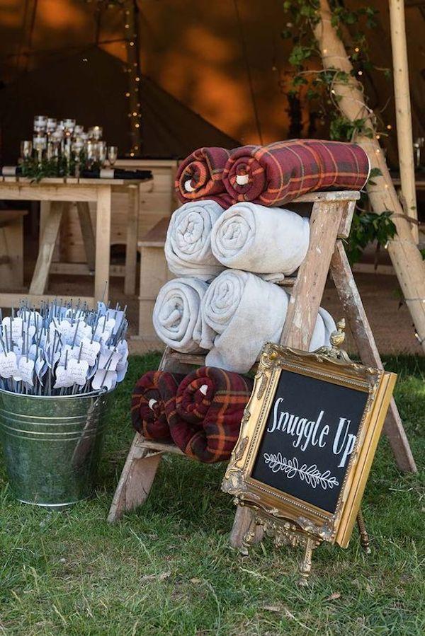 sweet boho backyard fall wedding ideas