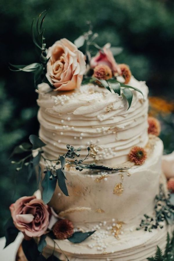 vintage fall wedding cake ideas with flowers