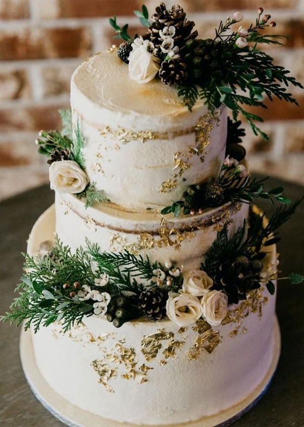 greenery winter wedding cake with metallic