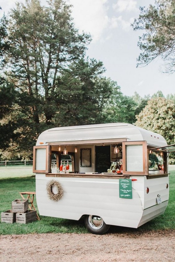 mobile bar drink station for outdoor wedding ideas