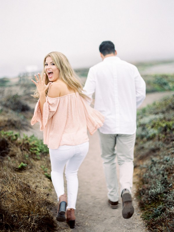 sweet engagement photo ideas