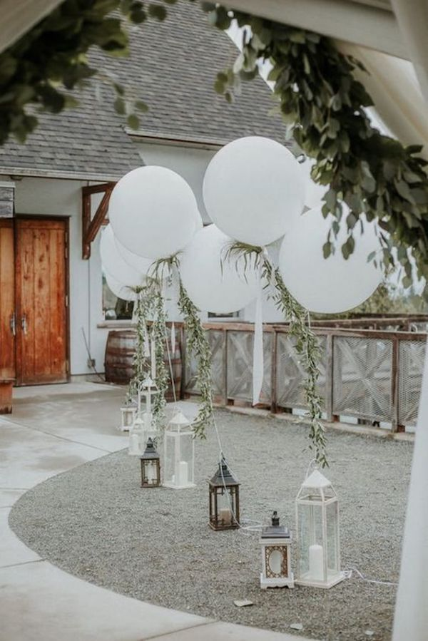 backyard wedding balloon decoraiton ideas
