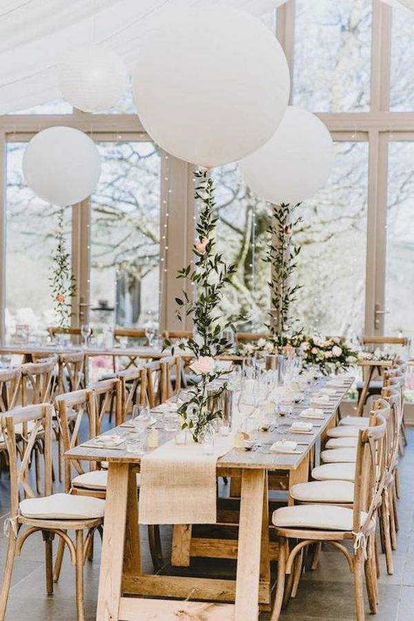 chic wedding reception decoration ideas with balloons