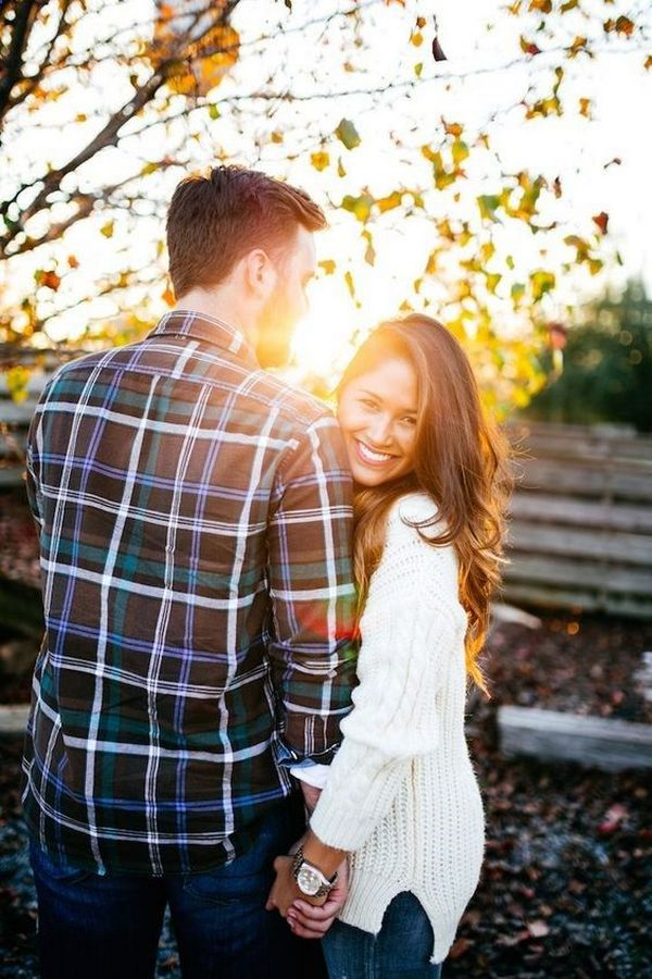engagement photo ideas in fall