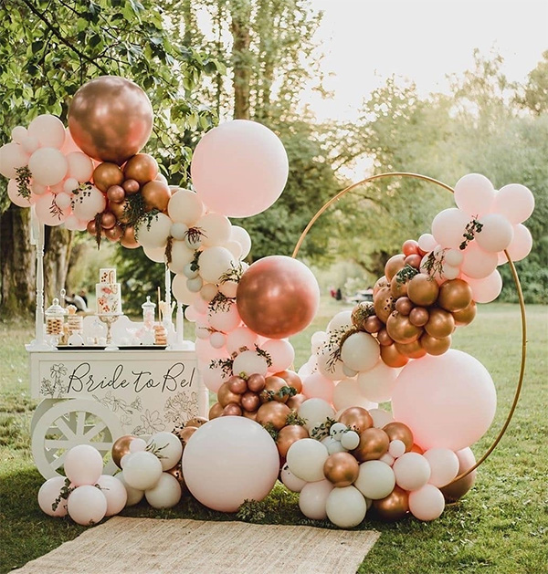 pink and rose gold wedding balloon decoration ideas