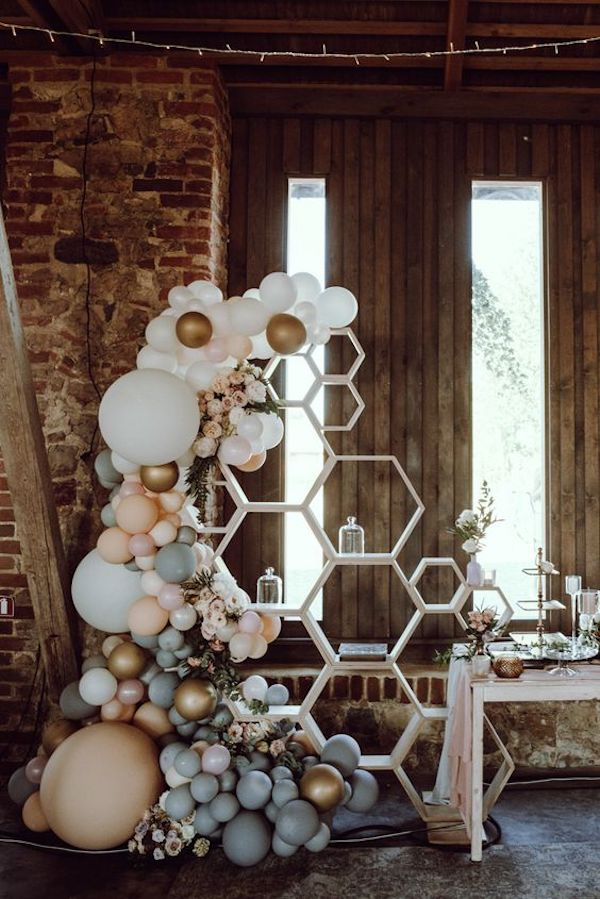 rustic wedding decoration ideas with balloons