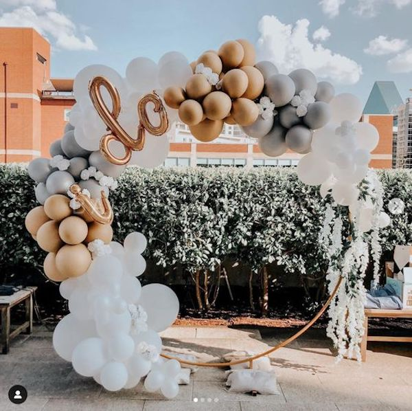 simple chic balloon wedding arch decoration ideas on a budget