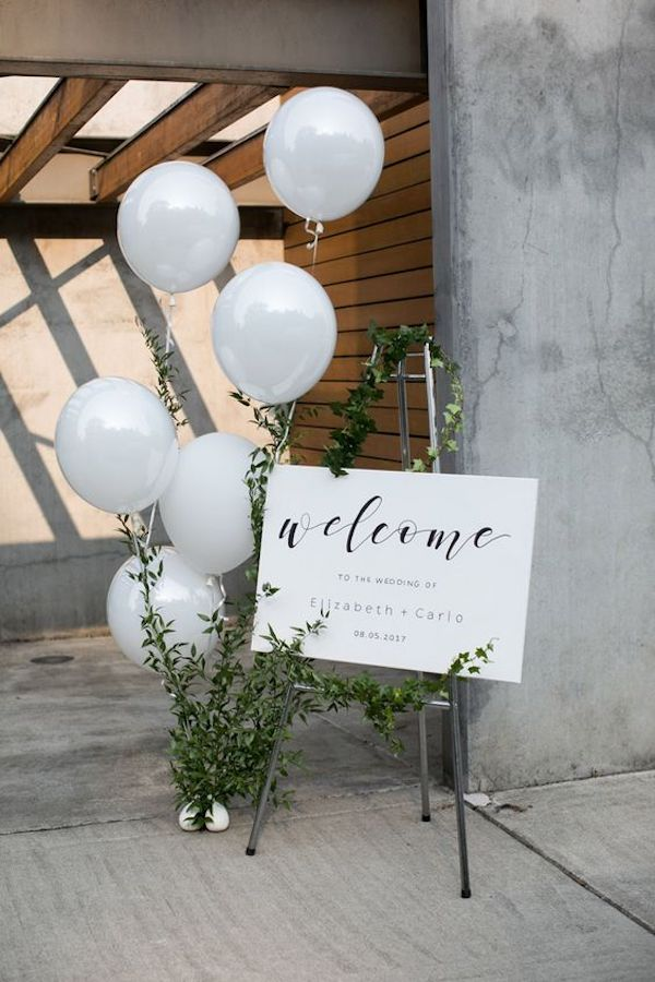 simple wedding sign ideas with balloons