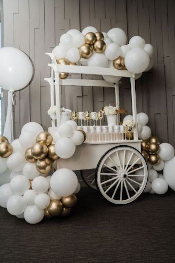 vintage wedding decoration ideas with balloons